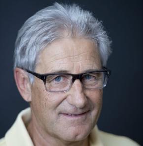 Ernst Käser - Kontakt genisuisse Schweiz, Finanzen